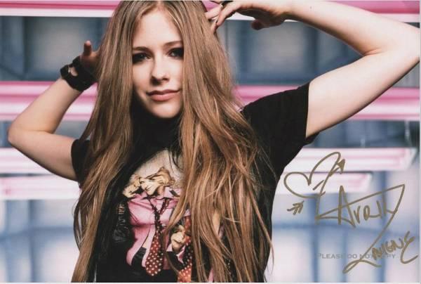 Avril Lavigne アヴリル・ラヴィーン サイン フォト