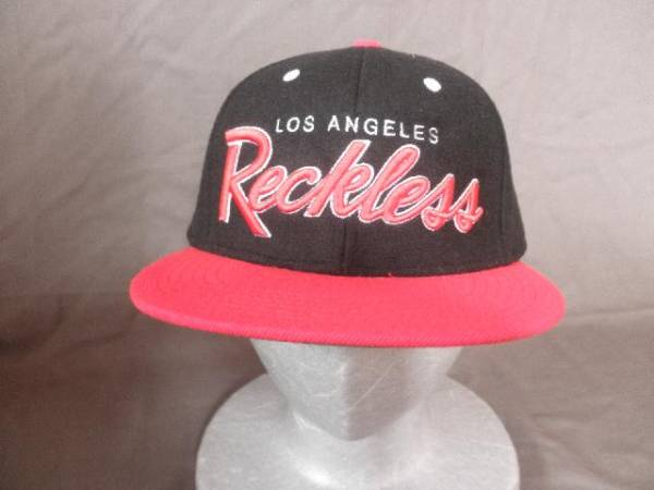 USA急上昇↑Black系 YOUNG & RECKLESS LOS ANGELES 刺繍入りCAP_画像1