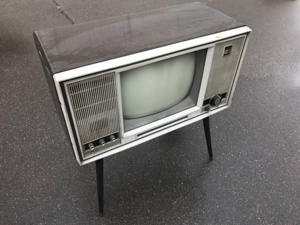 東芝 真空管テレビ 16FX 脚付き 現状にてジャンク