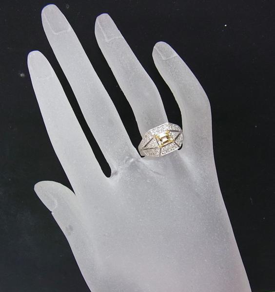 ありがとうございます送料込みの即決価格!綺麗な角型天然イエローダイヤモンド0.739ct プラチナ製 リング 卸価格でご奉仕_画像6