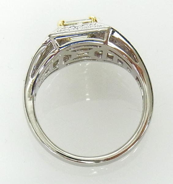 ありがとうございます送料込みの即決価格!綺麗な角型天然イエローダイヤモンド0.739ct プラチナ製 リング 卸価格でご奉仕_画像4