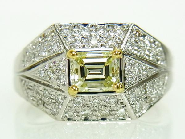 ありがとうございます送料込みの即決価格!綺麗な角型天然イエローダイヤモンド0.739ct プラチナ製 リング 卸価格でご奉仕_画像2