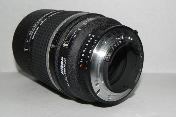 **中古品 Nikon AF DC-NIKKOR 135mm/f 2D レンズ❿*_画像4
