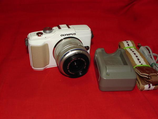 ●きれい●12.3Mp【オリンパス】E-PL2/f14-42mm付 高画質ミラーレスデジタルカメラ