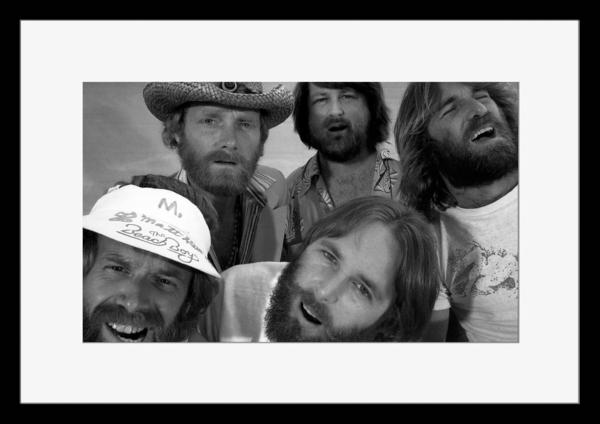 BW:人気サーフ・ロック・グループ!ザ・ビーチ・ボーイズ/The Beach Boys/モノクロ写真フレーム-1