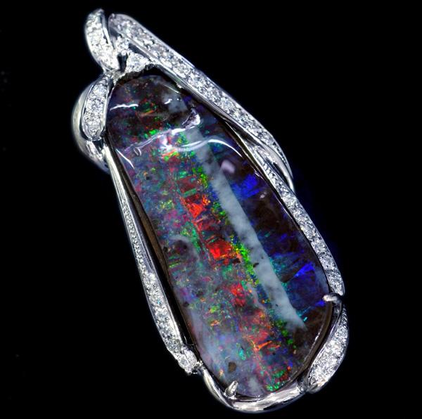 E4290 美しい大粒ボルダーオパール29.30ct 絶品ダイヤ0.52ct 最高級18KWGセレブリティペ