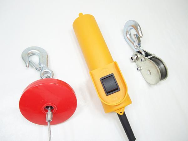 小型強力電動ウインチ ホイスト 家庭用100V対応 50Hz 最大能力250kg 出張先や現場ですぐに使える移動式 吊り下げタイプ 【60日安心保証付】_画像4