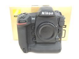 美品 NIKON/ニコン FXフォーマットデジタル一眼レフカメラ D5 XQD-Type ボディ バッテリー2個付 ◆ 4E185-16