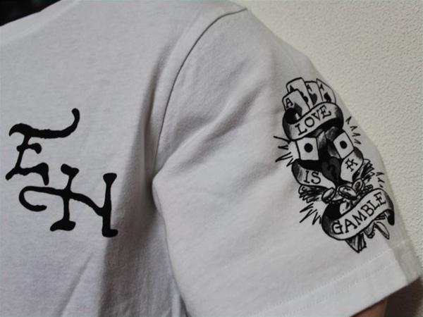 エドハーディー ED HARDY メンズ半袖Tシャツ Sサイズ ST920 ホワイト 新品_画像3