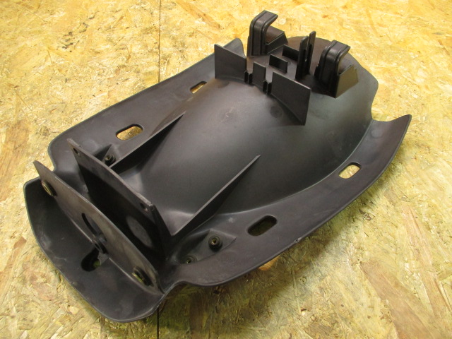 ドゥカティ ST4S 純正 リアインナーフェンダー 割れ無し 検 ST2 ST3 M900 SS900♪_画像1