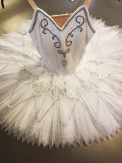 送料無料♪大人Lバレエ舞台衣装♪白いお姫様系♪8層チュチュ♪L_画像1