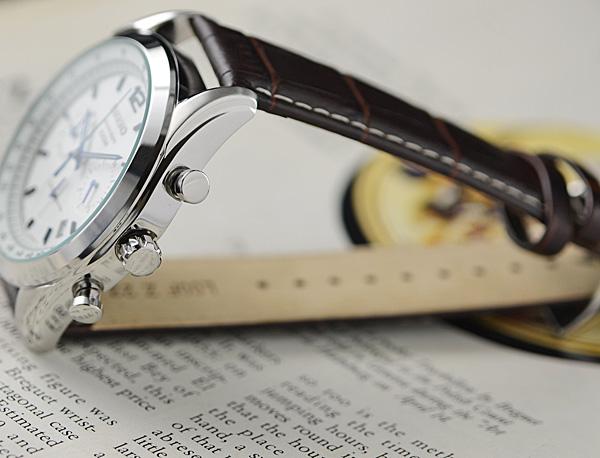 1円×3本 逆輸入セイコー100m防水 クロノグラフ 本革ベルト 腕時計 ホワイト&ブルー SEIKO 新品未使用 メンズ レザー 1スタ_画像8
