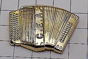 限定レア◆ピンバッジ◆金色のボタンアコーディオン音楽楽器ピン