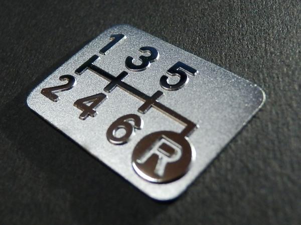 Tuningfan メッキ 6MT シフトパターン プレート 右下R 6速マニュアル インプレッサGDB GGB GRB GVB VAB WRX STi BP5 BL5 日本製 _メッキ6MTシフトパターン右下R g