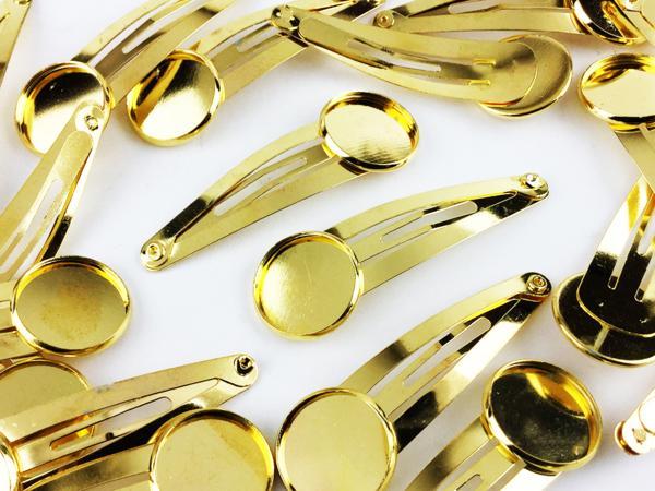 送料無料 ミール皿 台座 付き ヘアクリップ ゴールド 20個 金 色 ヘア アクセサリー パーツ ぱっちん 金具 ハンドメイド 素材 (AP0393)