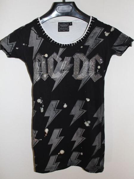 サディスティックアクション SADISTIC ACTION ICONIC レディース半袖Tシャツ AC/DC Mサイズ アイコニック 新品_画像1