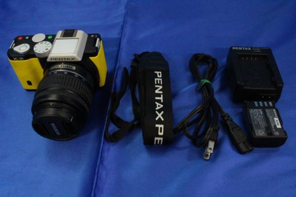 I0802/PENTAX K-01 デジタル 一眼カメラ ブラック × イエロー smc DAL 1:3.5-5.6 18-55mm AL レンズ付