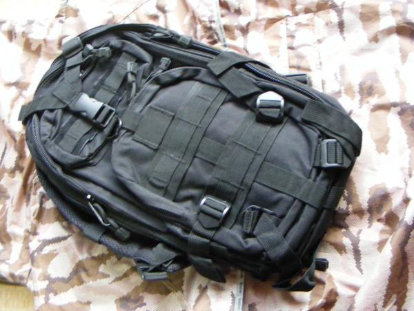 ■ 完全処分価格!サバゲ- US BLACK ブラック仕様 Assault BAG アサルトバックPAK 新品未使用品!_BL