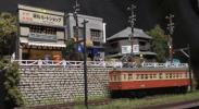 【SAZAN】ジオラマ情景 線路沿いの昭和の商店街(LED&ケース付)★360