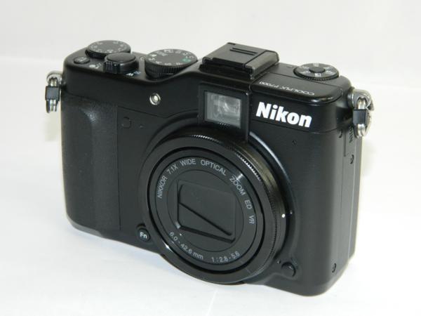 動作品 Nikon ニコン デジタルカメラ COOLPIX P7000 10.1メガピクセル 光学7.0倍 ブラック 付属有り 中古 即決 リサイクルマート半田店_画像2