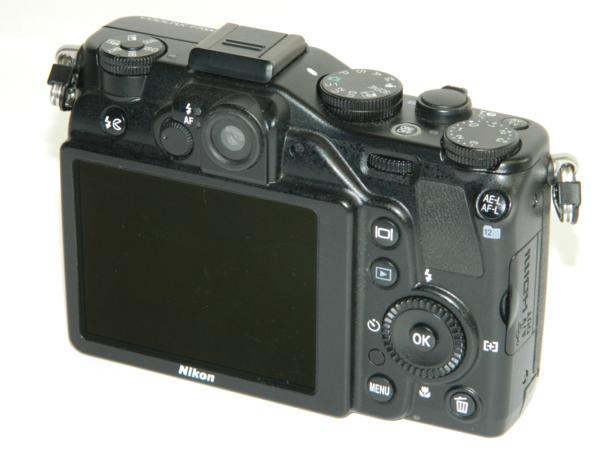 動作品 Nikon ニコン デジタルカメラ COOLPIX P7000 10.1メガピクセル 光学7.0倍 ブラック 付属有り 中古 即決 リサイクルマート半田店_画像4
