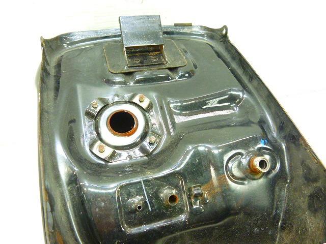 HQ9-11★CBR150R・NCB150★ガソリンタンク・修復素材に★(140)_画像8