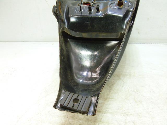 HQ9-11★CBR150R・NCB150★ガソリンタンク・修復素材に★(140)_画像9
