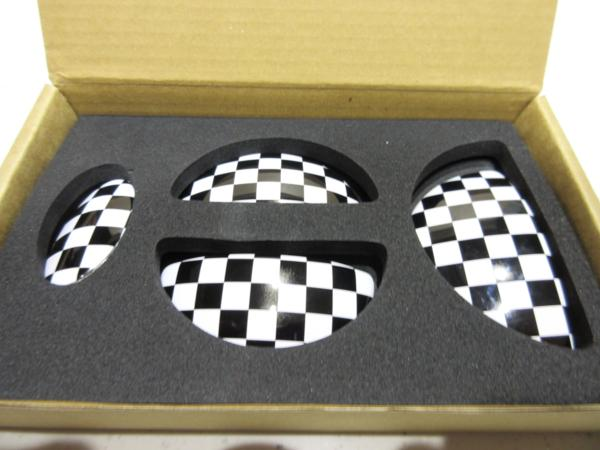 MINI/R55専用 ドアオープナーエンブレム チェッカーフラッグ/4PCS 【CLOS】 新品/ミニ/CF/_画像1