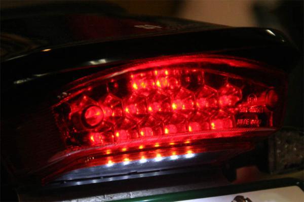 DUCATI ドゥカティ モンスター LED テールランプ ナンバー灯付!_画像3