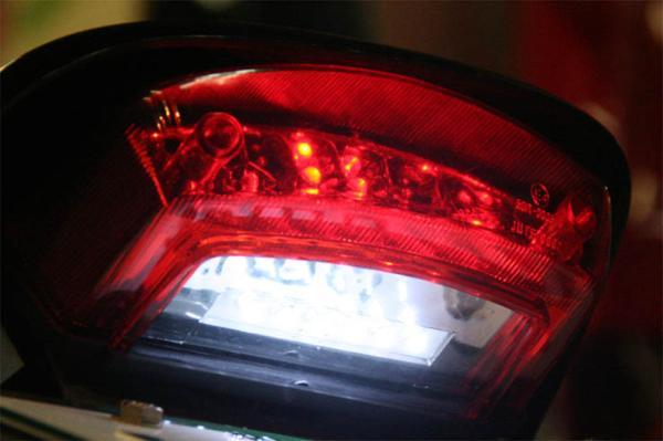 DUCATI ドゥカティ モンスター LED テールランプ ナンバー灯付!_画像4