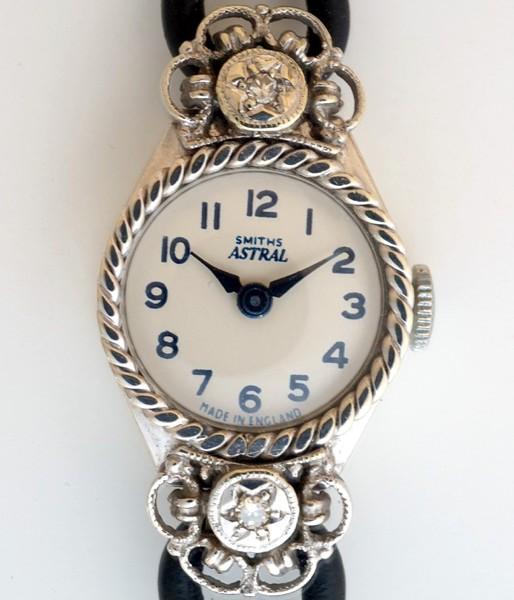 】E【<】SMITHS 1960プラチナ&ダイヤモンド15石【保証付】_smiths-astral-lady-platinum-a