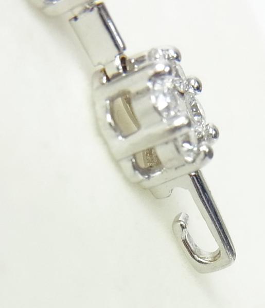 送料込みの即決価格!色んな形で使える!上質天然ダイヤモンド合計1.5ct 18金ホワイト製ペンダントネックレス 卸価格でご奉仕_最下部をチェーンに引っ掛けます