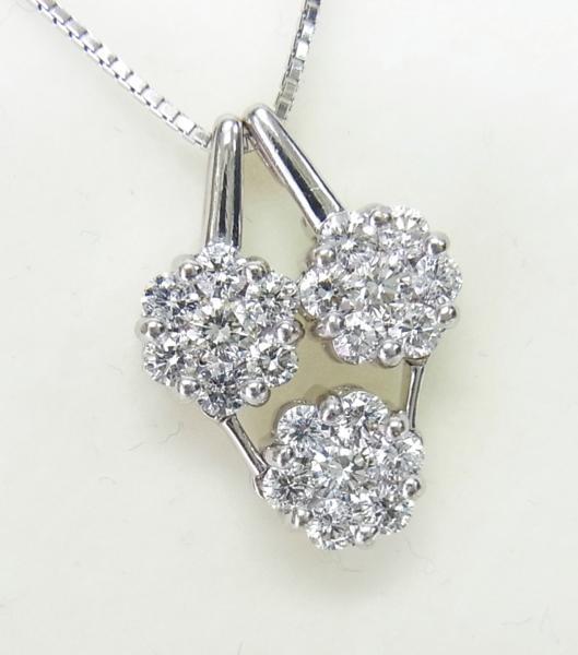 送料込みの即決価格!色んな形で使える!上質天然ダイヤモンド合計1.5ct 18金ホワイト製ペンダントネックレス 卸価格でご奉仕_画像2