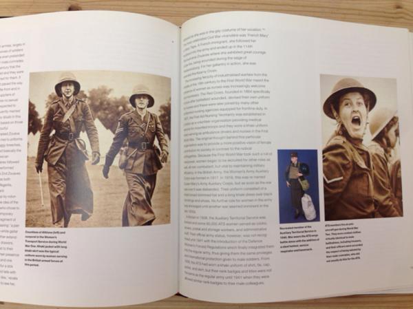 洋書 制服 軍服/Brassey's Book of Uniforms/CGC1407_画像6