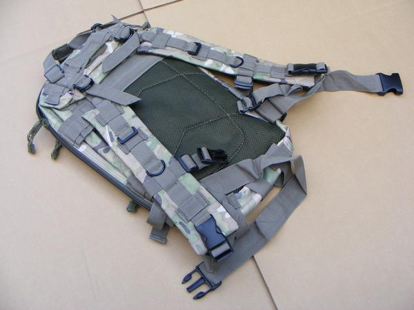 ■ 完全在庫処分価格!サバゲ-US BDU Assault BAG アサルトバックPAK A 迷彩仕様 新品未使用品!_画像7