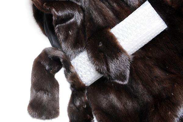 サガ ミンク ゴールド コート 黒 Fサイズ 中古 送料無料 【j82】 SAGA MINK GOLD BLACK ブラック_胸の切込みと付属の襟巻き?の様なもの