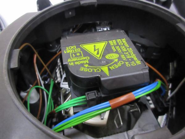 【送料無料】W211 E280 E320 (前期) バイキセノン ヘッドライト_画像3
