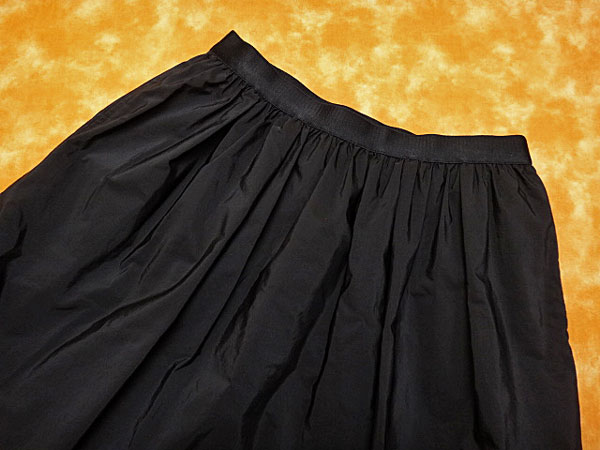 ★060034【23区】美品★ベーシック膝丈ギャザーフレアスカート★40★黒ブラック★_画像2