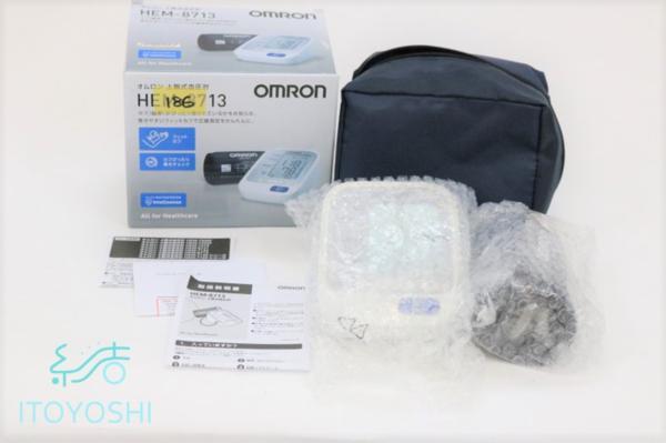 未使用品 通電確認済み オムロン OMRON 上腕式血圧計 自動電子血圧計 HEM-8713