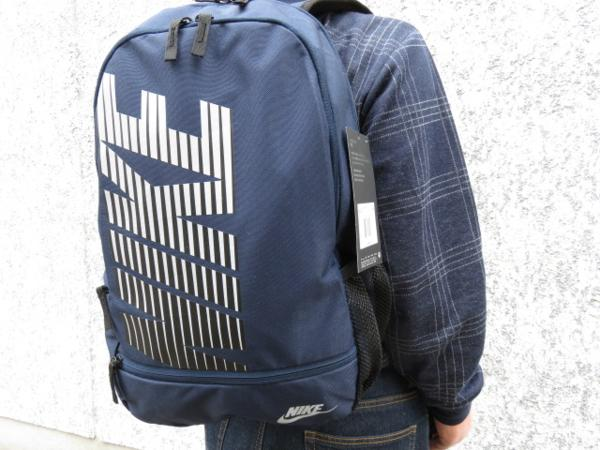 1 NIKE ナイキ リュックサック デイパック デイバッグ メンズ レディース 紺 ブランド 新品 人気 44cm 22L BA4863 通学 通勤 バックパック_画像1