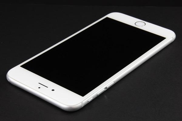 【送料無料】iPhone6 Plus 16GB シルバー■SoftBank★Joshin1834_画像4