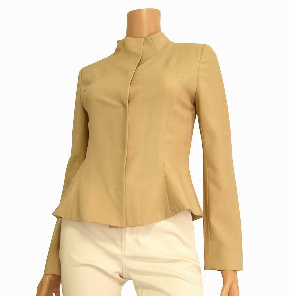M美品*リツコシラハマ*ベージュ*ノーカラージャケット*小さい1/7_スッキリデザインのお洒落なジャケットです
