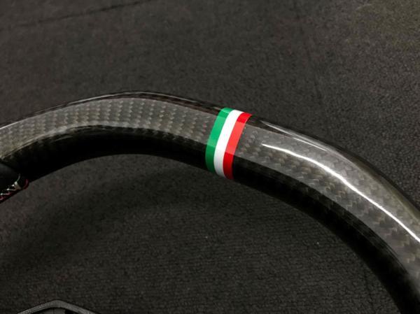 ランボルギーニ/アヴェンタドール/ブラック/カーボン/パンチング/レザー/ステアリング/イタリア柄/トリコロール/ステッチ/Aventador_画像3