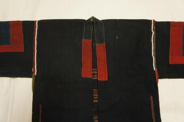 特選アンティーク木綿藍色刺繍貝入ロイミーアカ族上衣[E9641]_アンティーク刺繍貝入ロイミーアカ族上衣
