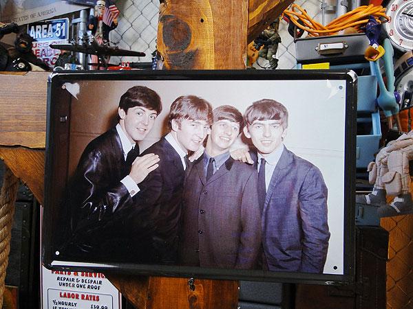 【137830】ビートルズのブリキポスター(ビートルズ3) ライブグッズの画像