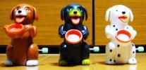 Kyпить ビンテージ ゼンマイ歩行 おもちゃ 3匹のお代わりを求める犬達 на Yahoo.co.jp