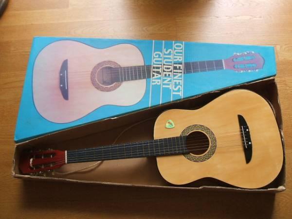 美品 中古 ギター ピック付き 箱付き
