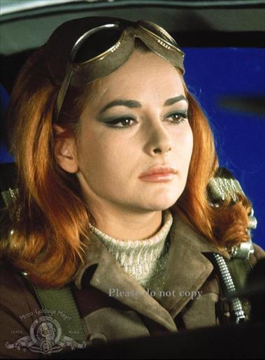 1967年 007は二度死ぬ カリン・ドール フォト 大きな写真2枚付き