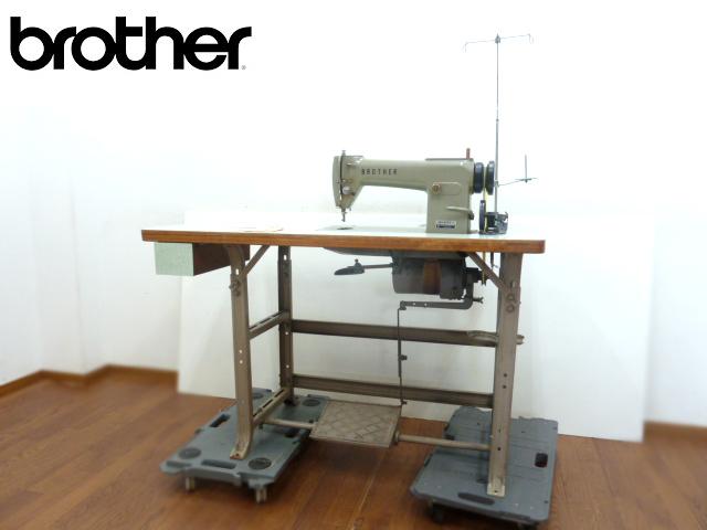 ジャンク品 ブラザー 準高速本縫ミシン DB2-B763-3 直線縫い一本針 Brother 工業ミシン 昭和 レトロ 台付き_画像1