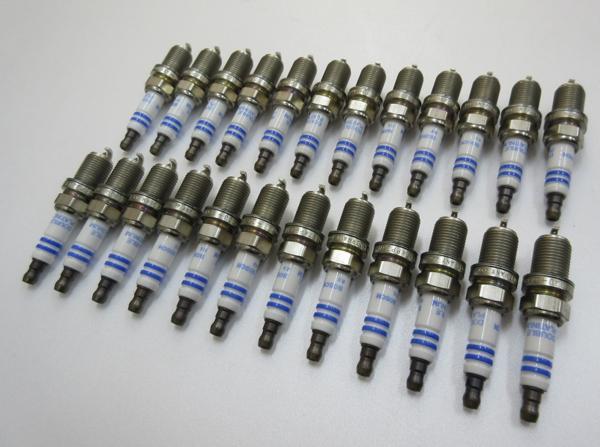 W215 W216 SLクラス M137(V12) BOSCH製 スパークプラグ (24本)_画像1